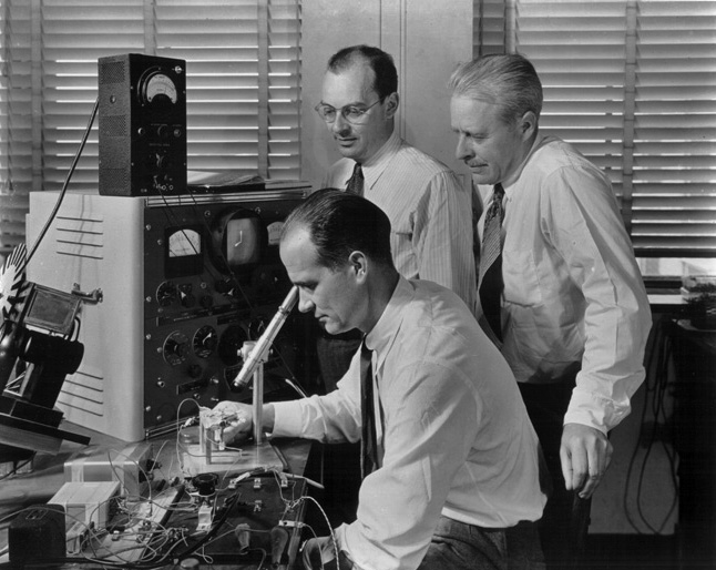TRANSISTOR Discovery 1947